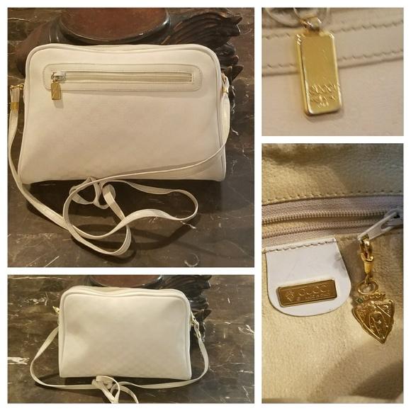 82ea1bd533f Gucci Handbags - Authentic Vintage 80s GUCCI logo Crossbody Bag